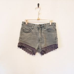 🌵Free People Gray Lace Trim Short|Size 27🌵